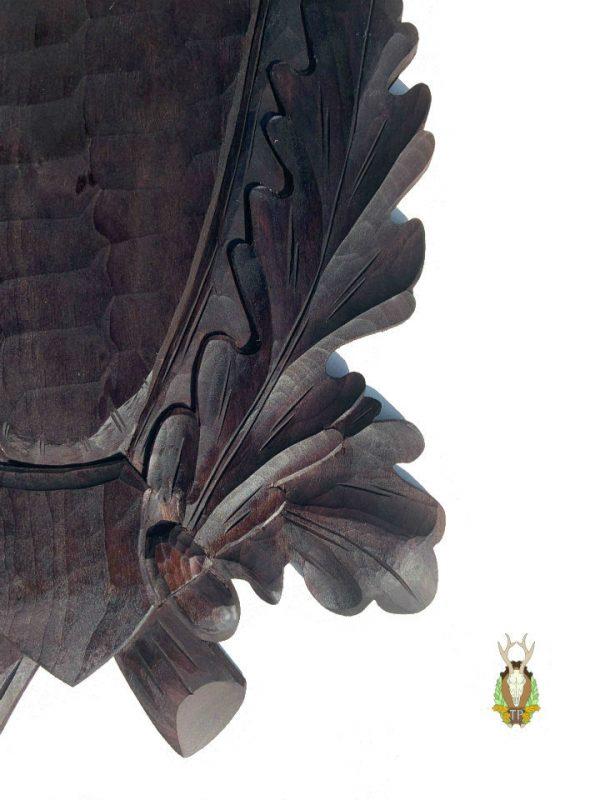 Hjorteplade krondyr i sort med smukke dybt udskårne egeløv