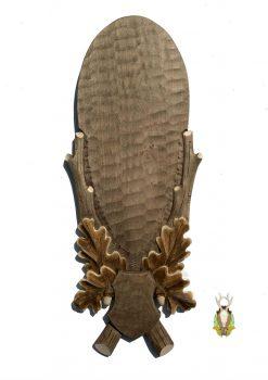 Trofæplade kronhjort i lys stil med håndlavet egeløv